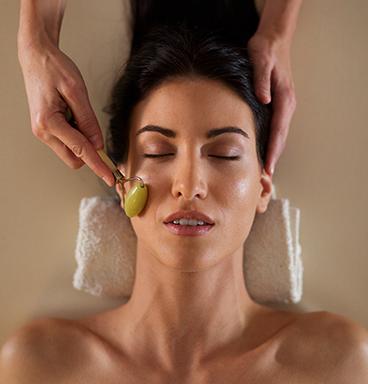 facial massage με ρολλερ νεφρίτη